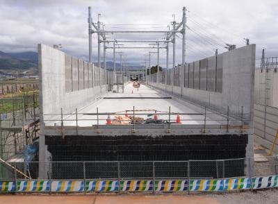 北陸新幹線と四国新幹線の展望と関連銘柄情報